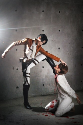 attack of titan cosplay Eren10