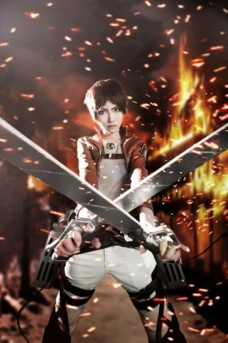 attack of titan cosplay Eren11