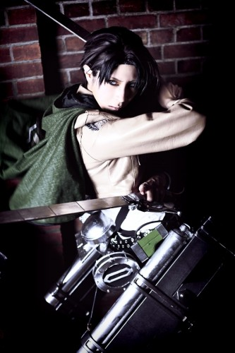 attack of titan cosplay levi02
