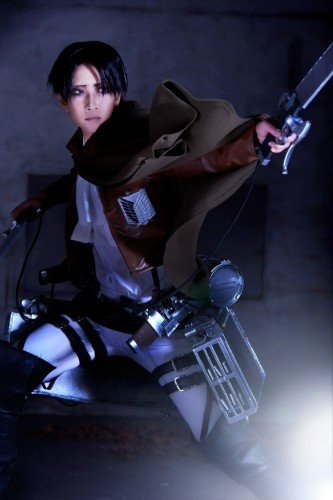 attack of titan cosplay levi07