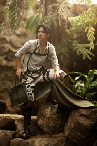 attack of titan cosplay levi08