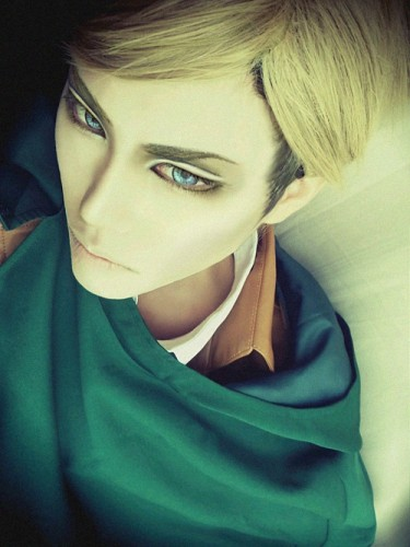 attack on titan cosplay erwin02