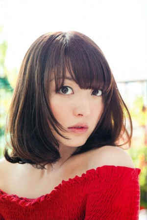 Kana-Hanazawa-Seiyuu-300x448 Top 10 Female Seiyuu Who Calm & Soothe You [Japan Poll]