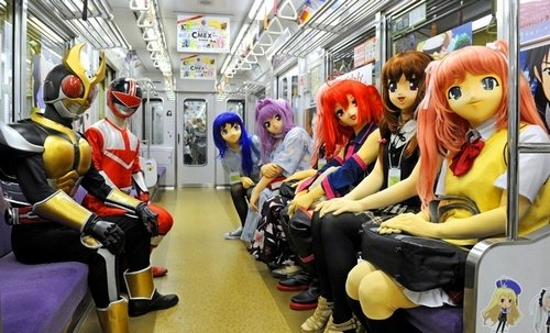 ET The Pains and Sufferings of Cosplaying Traveling