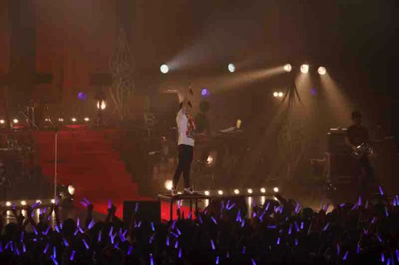 "naked-man-suzumura-kennichi-live-2017-13-700x466 Suzumura Kenichi's ""NAKED MAN"" Final Live Tour 2017 Concert Review: We Went to Suzumura Kenichi's Concert to Help Save the World"