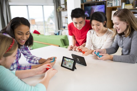 kidsfun Nintendo Switch Was the Best-Selling Video Game System in April; Mario Kart 8 Deluxe the No. 1 Game!
