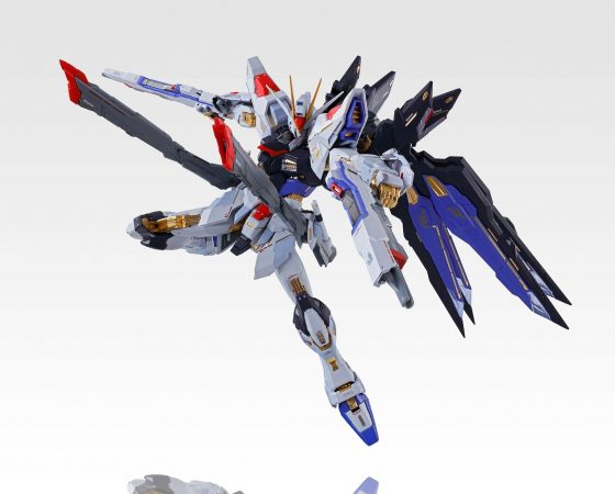 MB-Strike-Freedom-Gundam_04-560x450 Bluefin & Bandai Announce Show Exclusives & Special Guests For Anime NYC