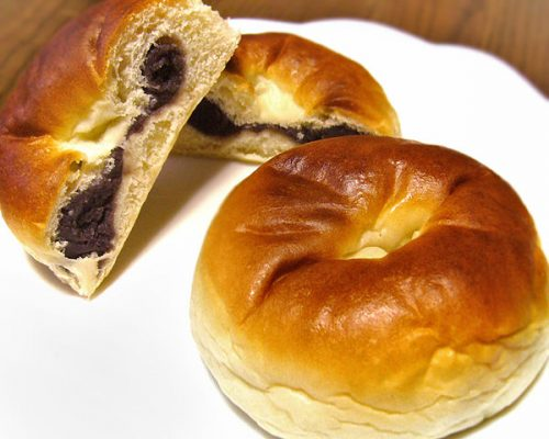 SpirtedAwayAnpan-700x378 Anpan (Red Bean Buns) Recipe - A Staple Snack Seen in Spirited Away, Gintama, Clannad, and More!