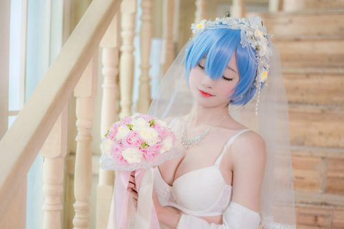 The Sexiest Re:Zero Cosplay Online
